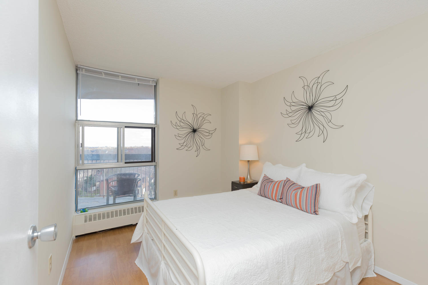 virtualtours/1702/c/2665_Windwood_Dr_Unit_808-large-009-8-Bedroom_3-1500x1000-72dpi.jpg